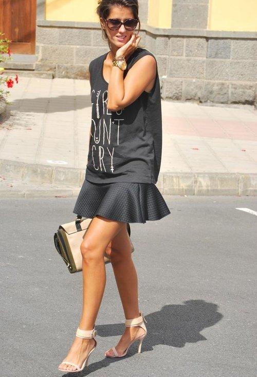 plata-negro-camisetas-faldas~look-main