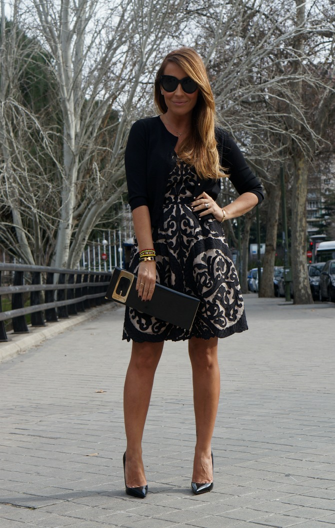 07-street style-nude-black-dress-van dos-gucci-clutch-so kate-louboutin-bulgari-ring-cartier-love-bracelet